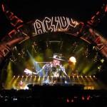 Prensa portuguesa elogia el debut de Axl Rose con AC/DC