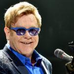 Elton John anuncia su gira final por el mundo en Youtube